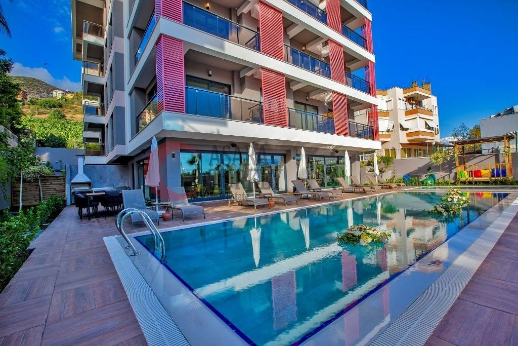 Luxury residential complex with sea views in Alanya - center