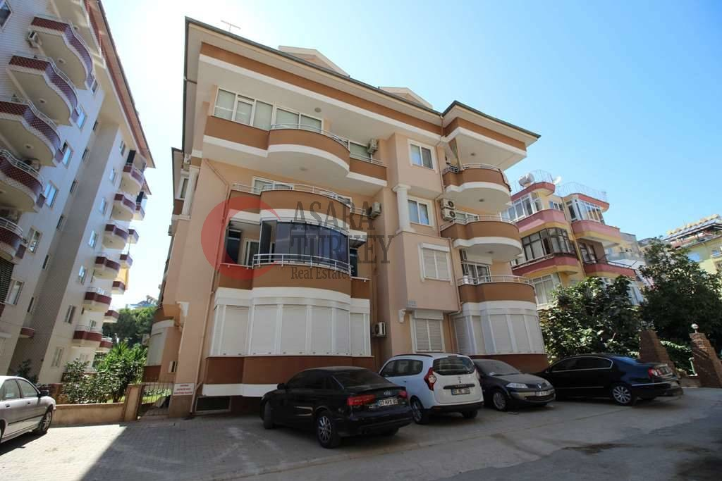 For sale three-room apartment in the center of Alanya